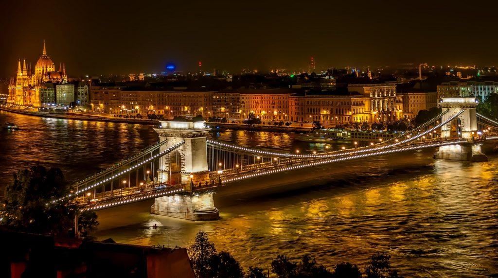puente de la cadena en Budapest